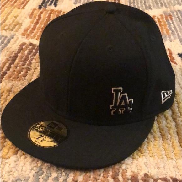 New Era Other - New Era ball cap LA 7 3/8 size 59fifty